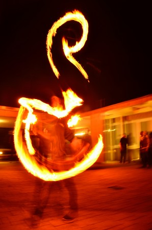 Die ZirkusAkademie: ZirkusAkademie-2108-Feuershow__Paul_Silberberg__04